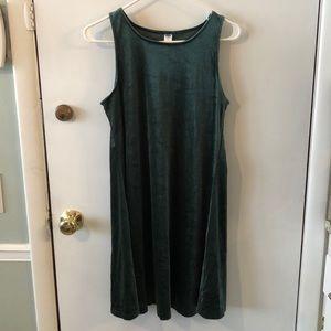 🌷Hunter green velvet dress